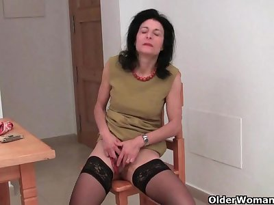 Hirsute granny Emanuelle in darksome nylons