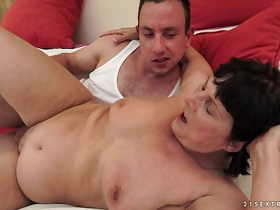 21Sextreme Video: Monochromic Romance