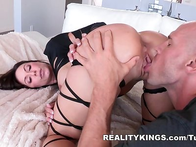 MonsterCurves - Lust at first sight