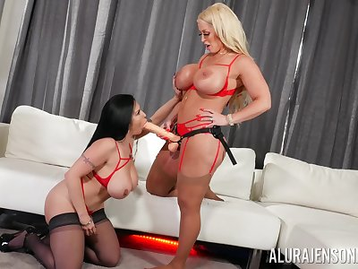 Homoerotic Alura Jenson decides to have fun and lesbian sex approximately Sheridan Love