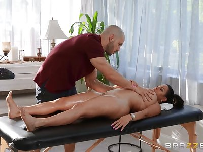 Duncan Saint fucked Julianna Vega on the massage couch