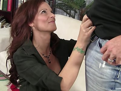 Mature redhead lady loves to suck a chubby dick and to obtain penetrated
