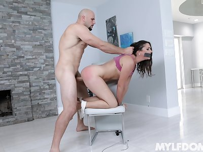 Curvy ill-lighted Anna Morna fucked on the chair by a long dick