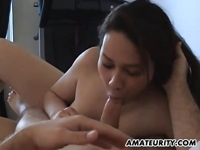 Amateur Chinese Brunette Grown up Fucks On The Bed