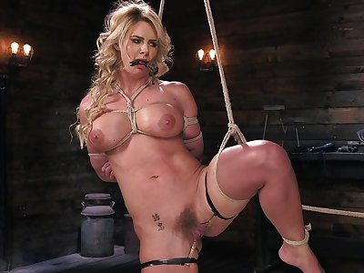 Phoenix Marie expectations pussy crave with pins during bondage session
